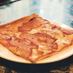 Pica ar šķiņķi